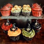 Happy Halloween! My own festive spooky cupcakes are on the blog today! http://t.co/YbFpswfGTU … #Halloween #Cakes http://t.co/vXZqAAl3kF