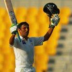 Younis Khan raises his bat after scoring a third successive Test hundred #PakvAus via @saad_ghumman http://t.co/zKWiUZCYAd