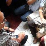 Pahlawan kesiangan, haha RT @kompascom: Fadli Zon Kirim Pengacara untuk Bela Penghina Jokowi http://t.co/myo5D2G9PM http://t.co/fgz2nT9WMc