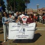 La solidaridad y la lucha siguen. Ni perdón ni olvido. Ahora al lado de @abuelasdifusion en #BuenosAires #Ayotzinapa http://t.co/8kQW4lvbF4