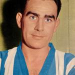 A very happy 81st birthday to #swfc Legend Alan Finney - 89 goals in 503 games 1951-1966 #massive http://t.co/T4dgdBIAVR