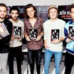 I'm voting for @onedirection for #AMAs Favorite Band, Duo or Group – Pop/Rock #EMABiggestFans1D http://t.co/PUCQz8hBzP