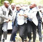 #OrangeHouseDrama #GorHooligans ,yesterdays incident confirms that leaders reflect the society they represent http://t.co/rdMXr1eBA8