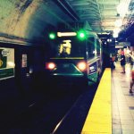 Are you stuck on the Green Line this morning? The #MBTA discovered a rail defect http://t.co/6yHhHT36MP http://t.co/ryK1e49flY
