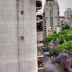 #ALERTA: El tirador está en Luis María Campos 86 y dispara desde el balcón del piso 12 http://t.co/yfZTjOMgwN http://t.co/oJ3JGMWUHV