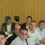 Aquí teniu el de la salutació nazi dinant amb dos diputats de Cs #MejorUnidos http://t.co/PJZgz7tx8e