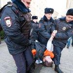 Врачи рассказали нам об угрозах от администраций поликлиник за выход на митинг 2 ноября http://t.co/QureBsytry http://t.co/c18mj6wtX3