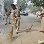 Respect! FROM PATROLLING TO CLEANING... #swachhbharat ! #SardarPatel #IndiraGandhi Shahi Imam #Mumbai @KiranKS http://t.co/RMmWkLRvce
