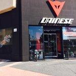@DaineseMalaga #Malaga que tienda tan chula :-) Felicidades desde Clínica @dr_ivangonzalez #ImplantesDentales http://t.co/5MhRPXV0nw