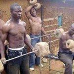 Vile wasee walibuy ticko za 2 Chainz wanajipanga kuconfront @Jameson_EA http://t.co/8NfTyesgMF
