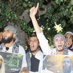 #المغرب | معتقلون سابقون يتظاهرون لمطالبة الحكومة المغربية بحل ملف سجناء الإرهاب .   http://t.co/l21mCjbCZm http://t.co/S31Q66FhvB