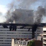 Incendie Maison de la radio. Explosion. http://t.co/Oei3txdbNn