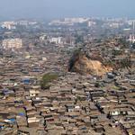 Dharavi ที่มุมไบ อินเดีย สลัมใหญ่ที่สุดในเอเซีย คนหนึ่งล้านคน ในพื้นที่ 2.2 ตร.กม.นึกภาพไม่ออกจริงๆ!! http://t.co/h7PSOuEq8p
