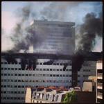 Ca rappelle de bien mauvais souvenirs cette pic RT @FBleu1071: Incendie à la M. de la Radio,tout le personnel évacué http://t.co/lUh0JsNvaH