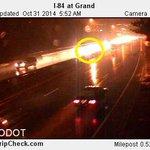 Heres the crash on I-84W near I-5, left lane blocked #pdxtraffic #kgwnow http://t.co/wkplLZN4Xo