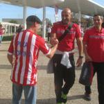El equipo rojiblanco, ya en el Aeropuerto de Asturias para viajar a Barcelona http://t.co/CySLVd0U03 http://t.co/f4LsPCTgdY