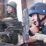 Вы поддерживаете, скромного пулемётчика Пореченкова? Нет - избранное. Да - ретвит. http://t.co/amf7Vmdd1u