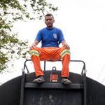 Não ta fácil..RT @g1: Motorista foge com caminhão-pipa para ajudar bairro sem água em SP http://t.co/9gmBpXDq6W #G1 http://t.co/lhGnSr5Vea