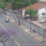 #ALERTA: El tirador está en Av Luis María Campos 86 y estaría disparando desde el piso 12 depto B http://t.co/lf2npBFBwR