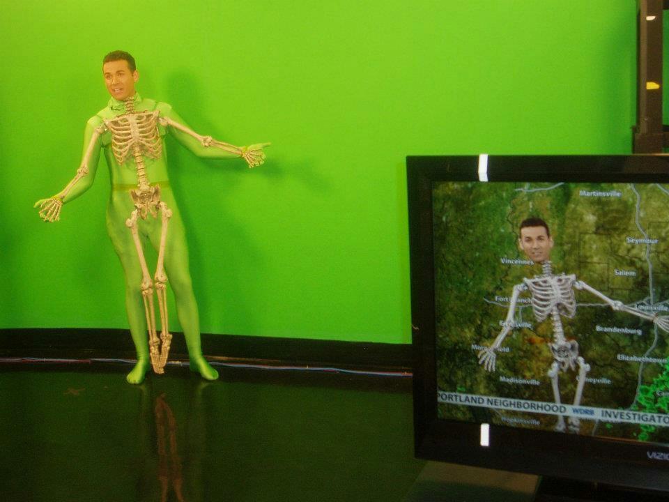 Amazing use of green man suit! http://t.co/qqKSH7DXVm