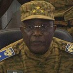 Watch the moment Gen Traore announced he is taking charge of Burkina Faso http://t.co/I0q5XzGLLM http://t.co/dkfZwX65pC