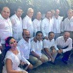 Orgullosos de nuestras tradiciones de #HanalPixán, visiten la gran exposición de altares en la Plaza Grande @gobrep http://t.co/onaaYzzprM