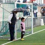 Nada como el apoyo incondicional de un abuelo. http://t.co/RbZsJEzkXX