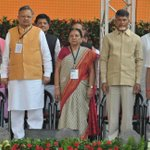 Galaxy of leaders at swearing in ceremony of CM @Dev_Fadnavis and his cabinet http://t.co/qNU0WZ4Xiw