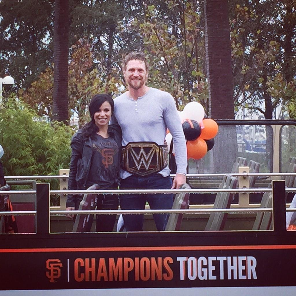 Alexis Cozombolidis (@LetsGetLexi): He did it! #SFGiants http://t.co/ggcWeea6py