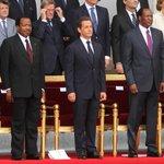 Les africains (sauf les camerounais) attendent la fin du régime Biya. Va-t-il choisir la voie de Senghor ou Compaoré? http://t.co/ztQZnbliKx