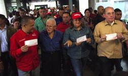 Arrancó un Día de Salario por la Revolución (+Fotos)http://t.co/Yylx5WNl5a http://t.co/OAIxbsLBr0