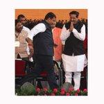 #MaharashtraCM @Dev_Fadnavis and @prithvrj during swearing-in ceremony Pic @prashantnadkar @IndianExpress http://t.co/a4P3prdson