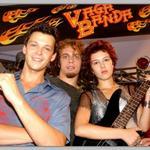 adoro essa banda chamada paramore http://t.co/ZrydSsb0T7