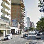 Tras dos horas de tensión, se entregó el hombre que disparaba desde un balcón en Palermo http://t.co/jRjuTv2BrH http://t.co/457Sh7GbGC
