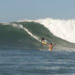 """Et puis il faisait tellement chaud dans leau pour certains, que le surf se pratiquait en mode """"NU INTEGRAL""""… http://t.co/WzWmszyo6n"""