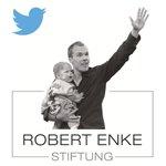 Ab sofort twittern auch Teresa Enke und das Team der Robert-Enke-Stiftung! Wir freuen uns auf den Austausch mit Euch! http://t.co/4UEpL5hpbw