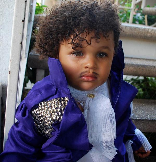 SHUT IT DOWN. Halloween has been owned. RT @SKTV_: Why dont you purify yourself in the waters of Lake Minnetonka http://t.co/4ABDwyxYSh