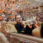 #SFGiantsParade coverage starts at 11am on CSN Bay Area & STREAMING LIVE at 12 pm right here: http://t.co/EIYs1NcJD9 http://t.co/Bx2kBVtJWh