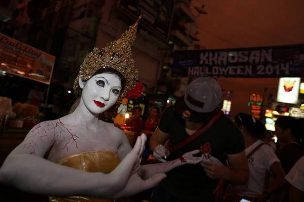 #Halloween in Bangkok's Khao San Road by @nationphoto http://t.co/qoUFt0JwDi