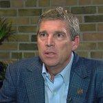 #BREAKING University of Michigan Athletic Director Dave Brandon will resign. http://t.co/f9TISqMNyE http://t.co/3zdCyhXyE6