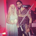 """Deron Williams dressed up as a Game of Thrones character for Halloween: http://t.co/oaeAVb98AI http://t.co/imDbkiLhCx"""" @Kevin_Vogt"""