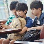 TFBoys บอยแบนด์จีน - จุนไค (15 ปี) - หยวน (14 ปี) - หยางเชียนซี (14 ปี) โตขึ้นจะหล่อขนาดไหนวะ โอ้ยยยย #HowtoPerfect http://t.co/yoTiFwurZT