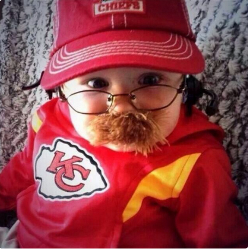 No baby Halloween costume in the sports genre will ever beat this. Ever. #BabyAndyReid http://t.co/Vguo3WXT30