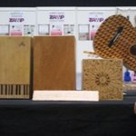 Que pasada de cajones y guitarras artesanales¡Y que bien suenan! ¿Os apetece comprobarlo?#BIME #mumebime #BEC #Bilbao http://t.co/NBk43sDUDr