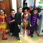 Fin de semana #Halloween empezamos con fiesta en @LiceoHispanico clase 2ºPrimaria #DeLaMontaña @GuilleJBau @aquartero http://t.co/EibmOsCShb