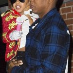 Blue Ivy dressed as Michael Jackson For Halloween and it was so adorable http://t.co/pGaOUqhfsA http://t.co/vYBzjadtgS