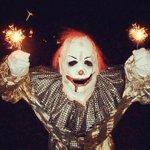 El payaso diabólico que vuelve loco a la policía de Gijón http://t.co/6g3Cjpnx4H #GijonClown #Halloween http://t.co/oVm0LJ8CgK