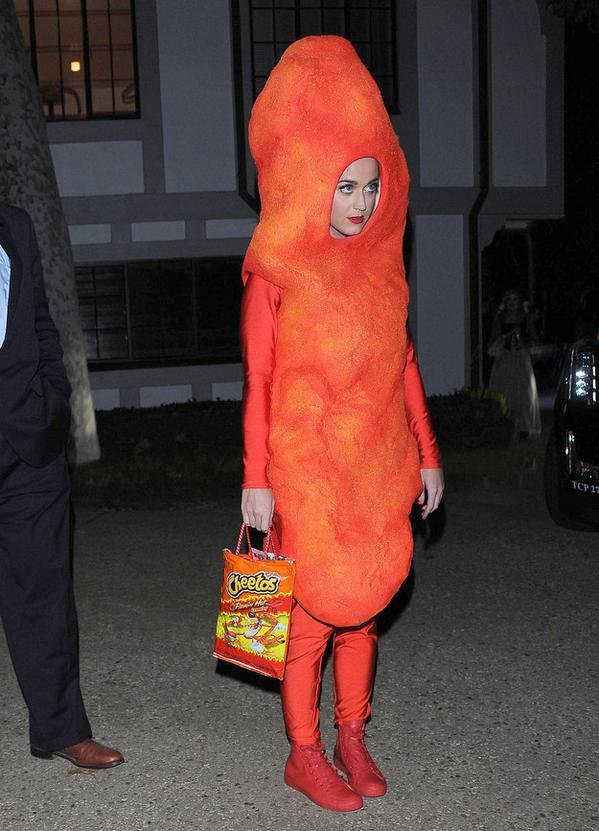 Katy Perry Dressed As A Cheeto For Halloween http://t.co/VHegBR95qN http://t.co/4nQLlrss66