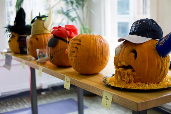 Win a free headshot by carving an awesome pumpkin today! Share with #carveoff2014 to enter http://t.co/pBoZE48hGQ http://t.co/53oVsU6S9V