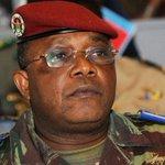 Le général Honoré Traoré, nouveau chef autoproclamé du Burkina Faso http://t.co/3rC1t2IiZ5 http://t.co/hZGakpaB9I